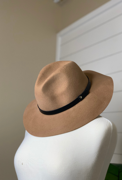 Basic Button Belt Felt Hat