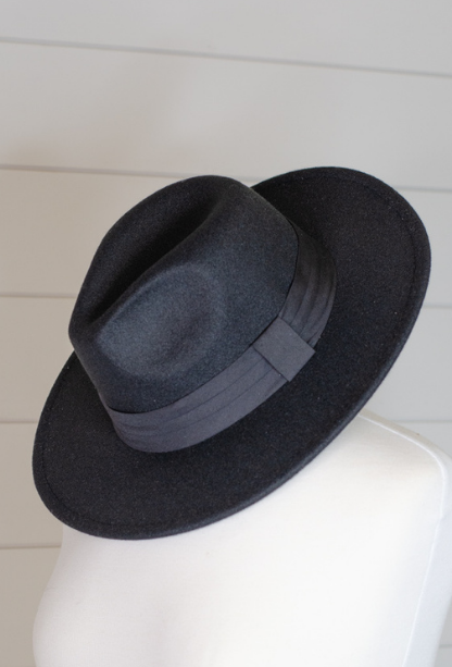 Callie Thick Band Hat