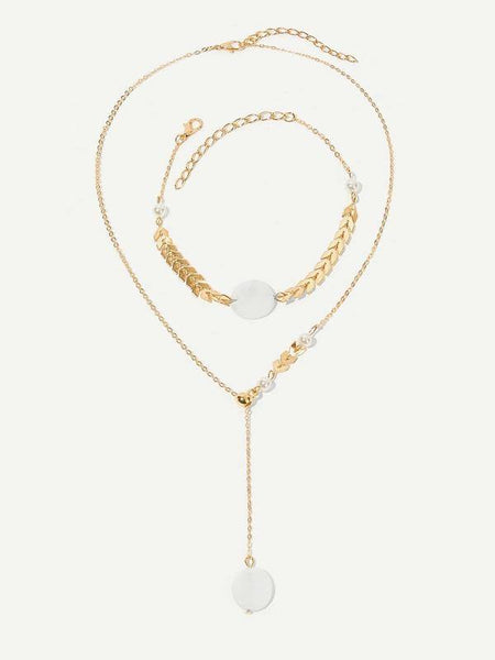 Necklace - Leaf and Pearl Detail - Gold