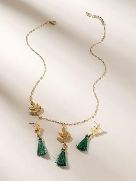 Necklace - Leaf Design w Green Tassel