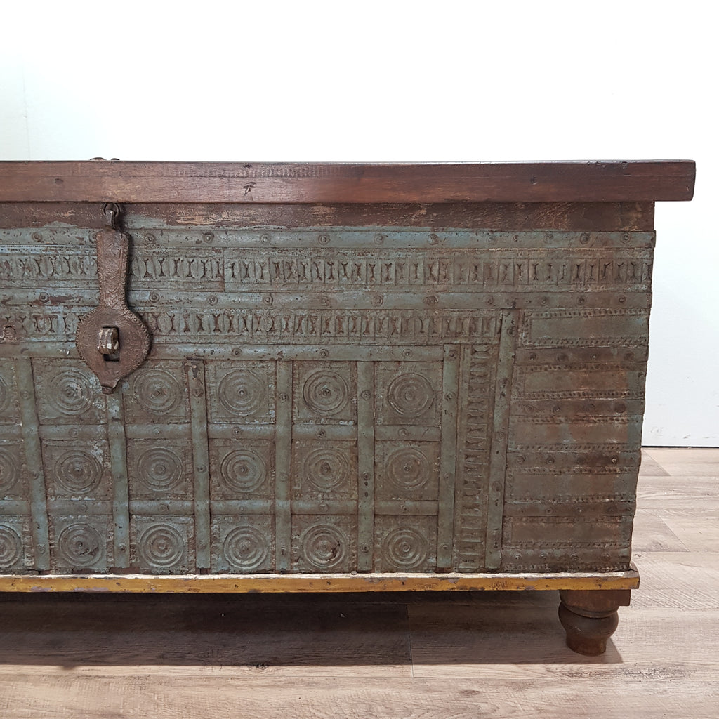 Indian Vintage Storage Trunk Coffee Table - Eco Village Collection 18U