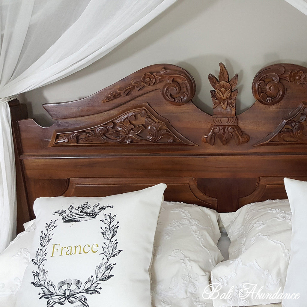 Hand Carved Bed: Four Poster Bed CLASSIC- Hand Carved Teak In CHESTNUT