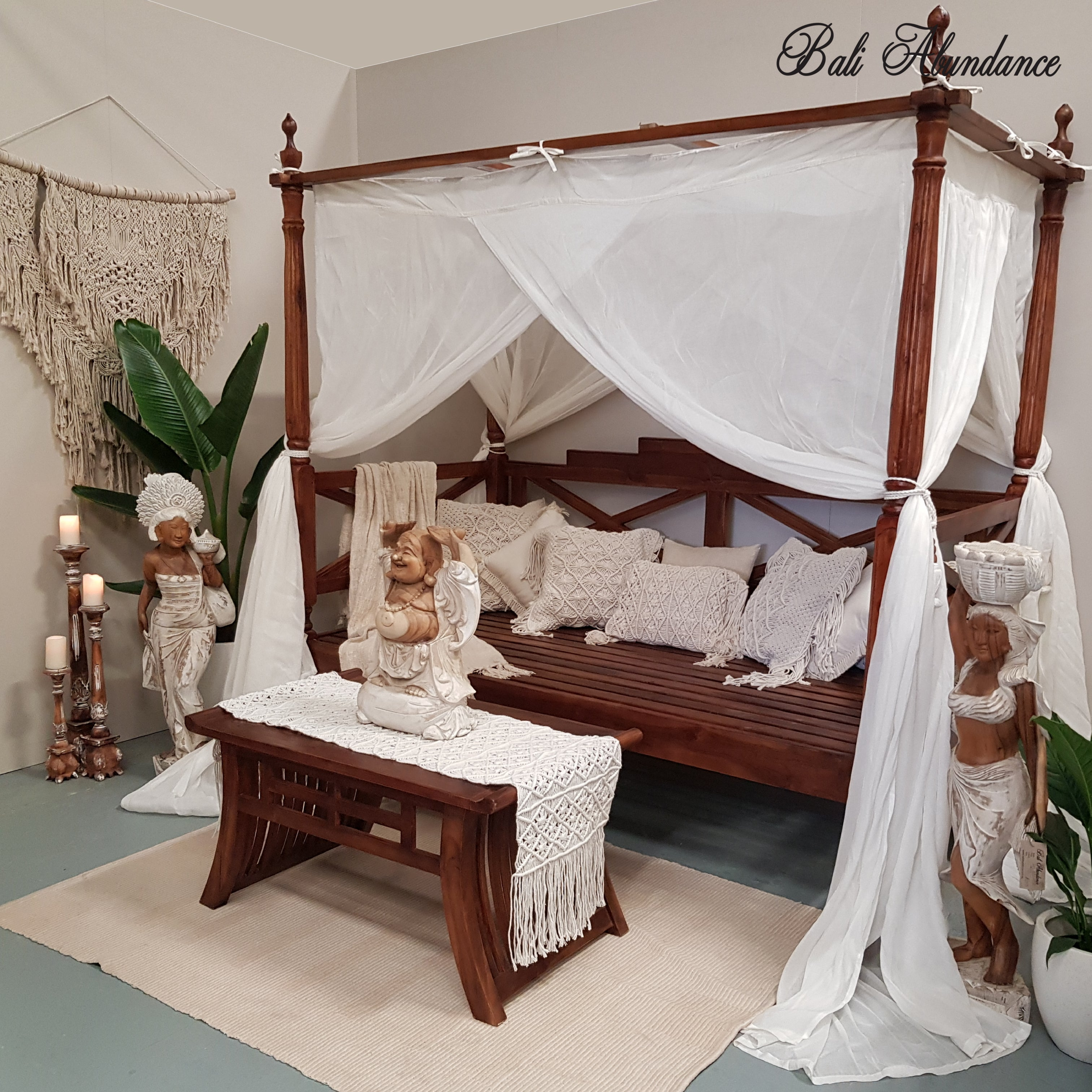 Picture of: Seaside Minimalistic Four Poster Daybed In Chestnut Bali Abundance