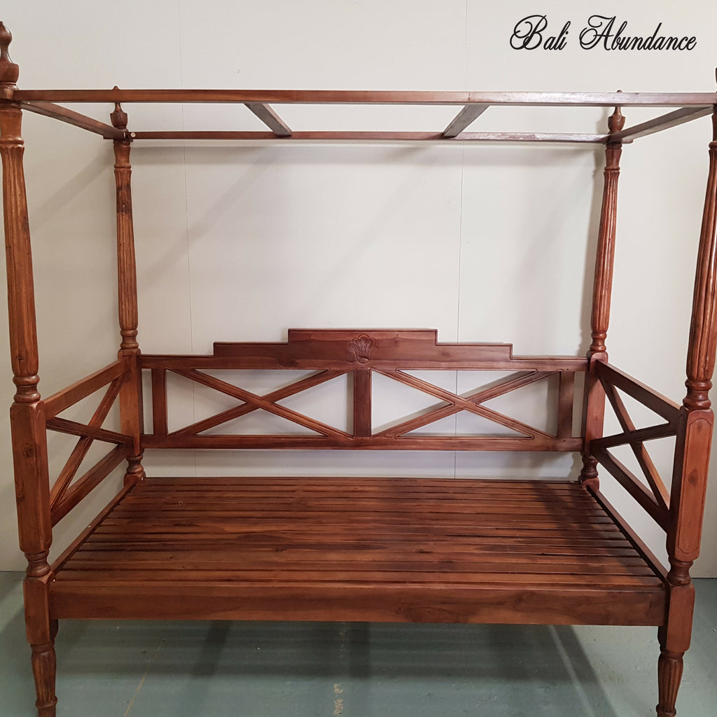 Seaside Minimalistic Four Poster Daybed in CHESTNUT