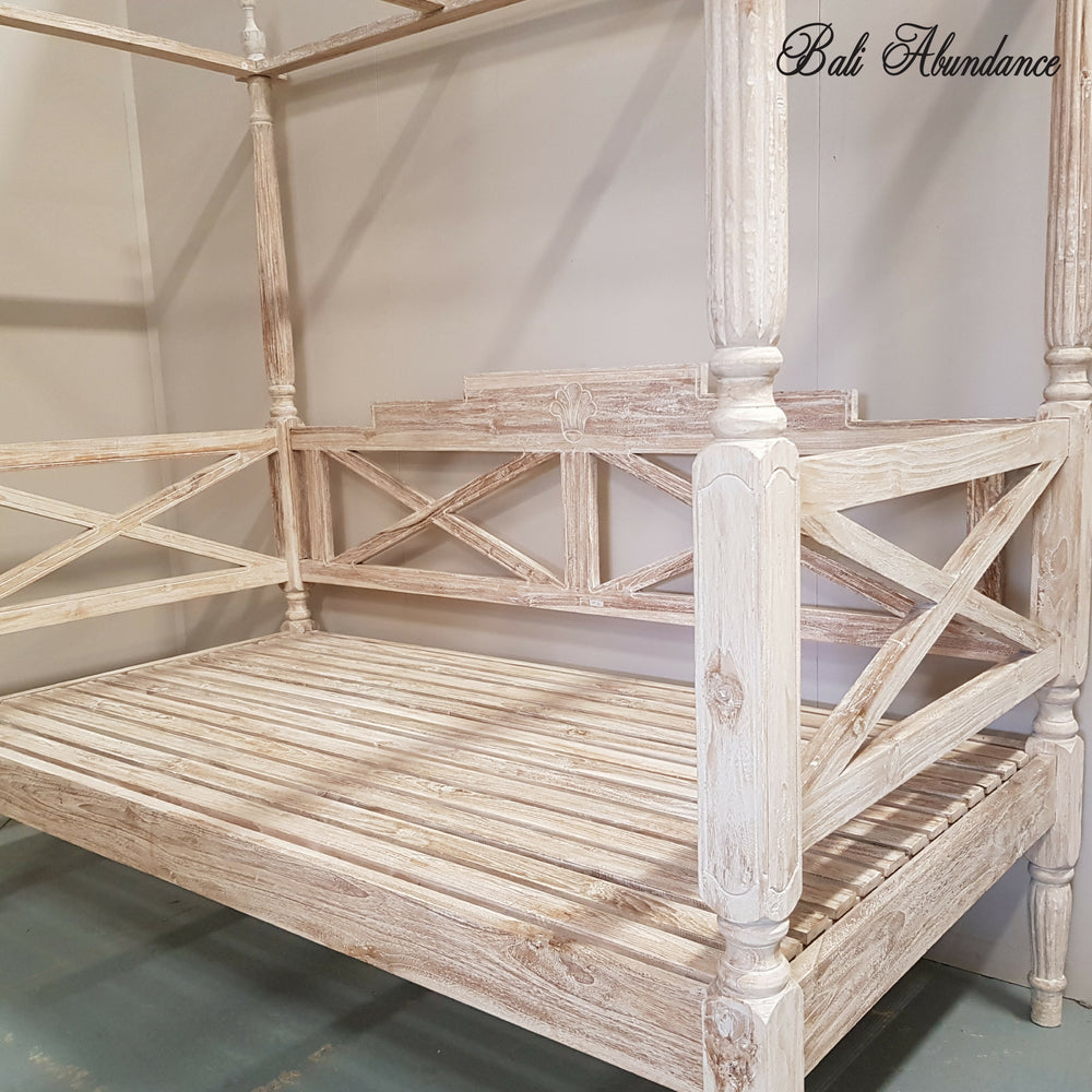 WHITEWASH Seaside Minimalistic Four Poster Daybed