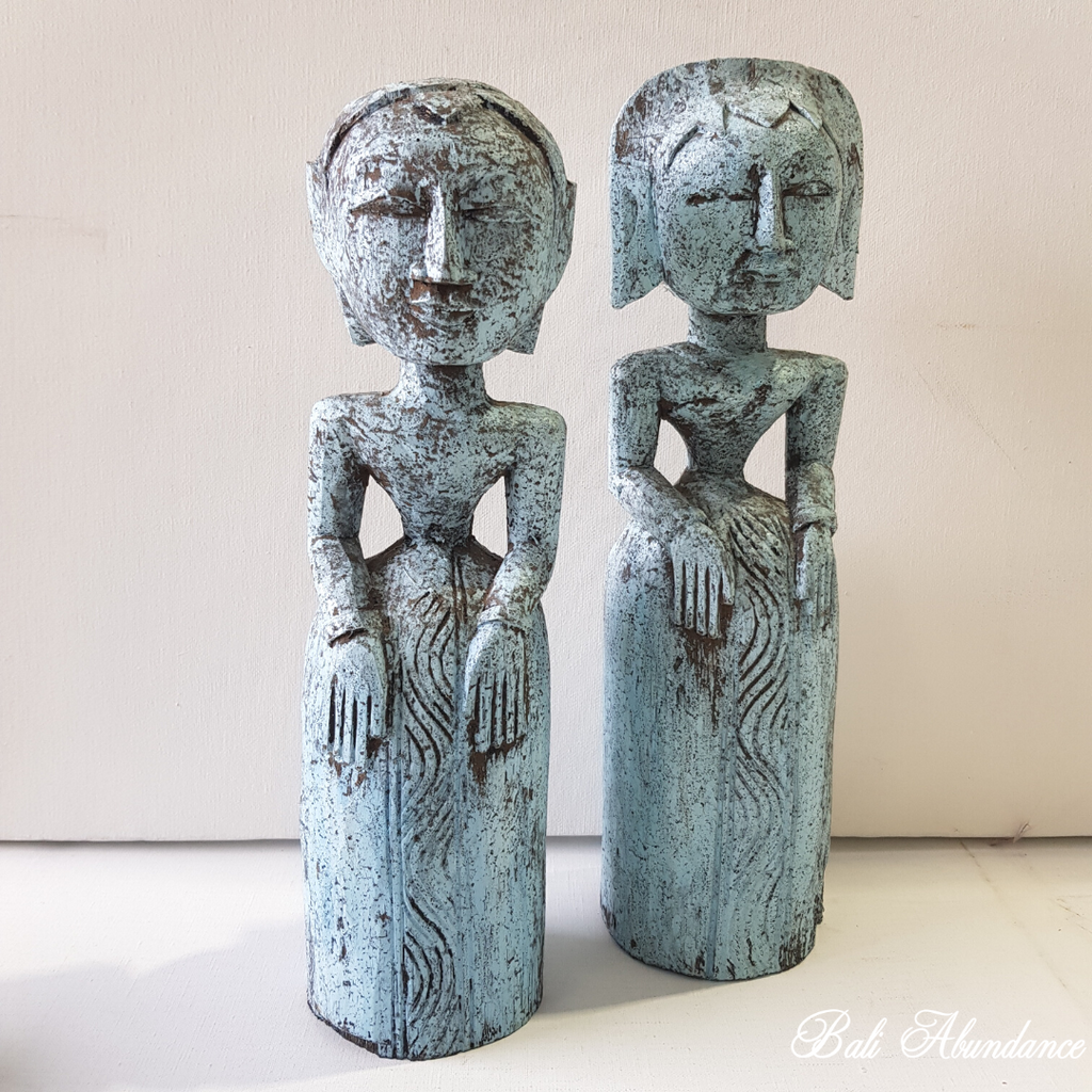 Wooden Balinese Wedding Couple Statues - Blue Wash
