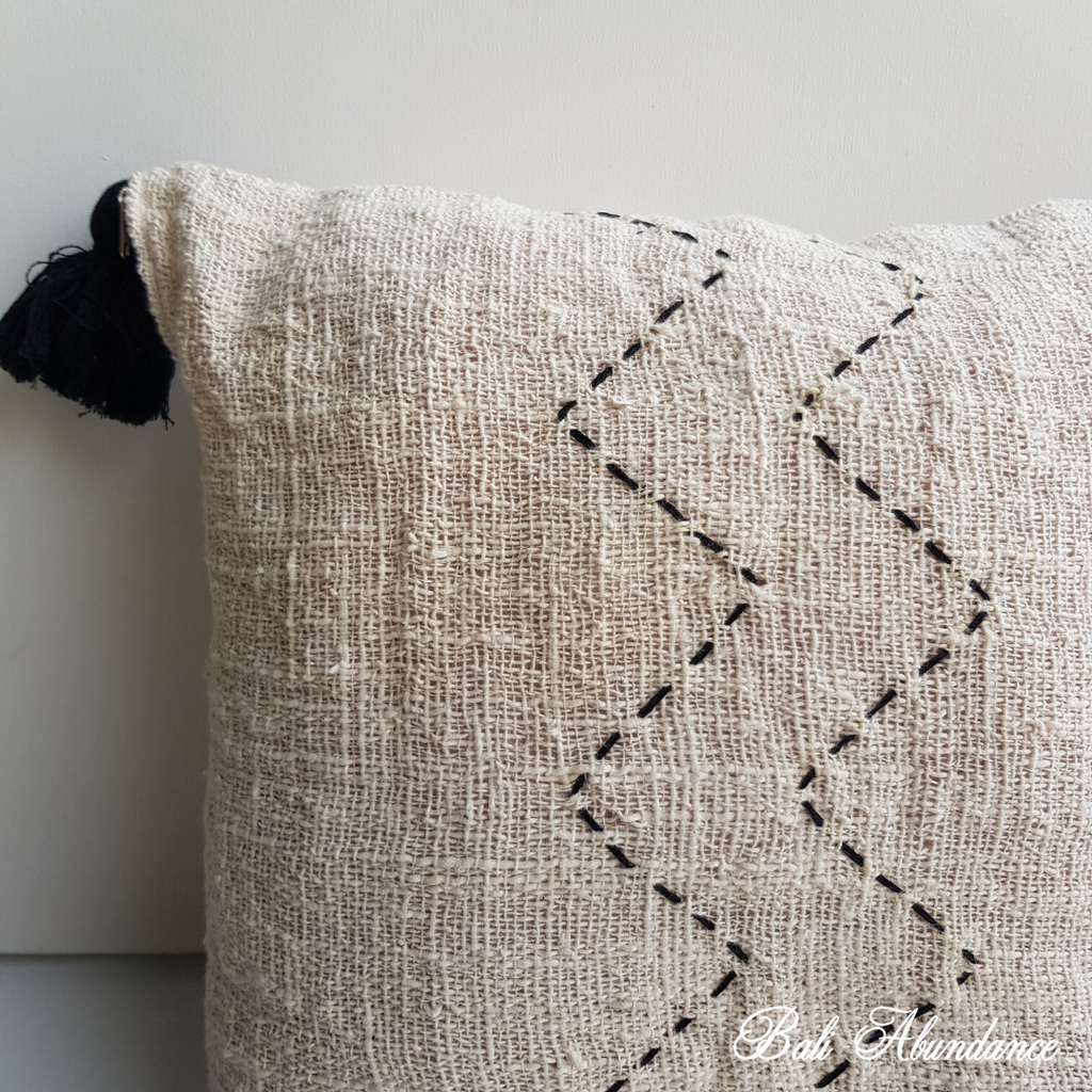 Zig Zag Cushion Cover with Tassles - Natural