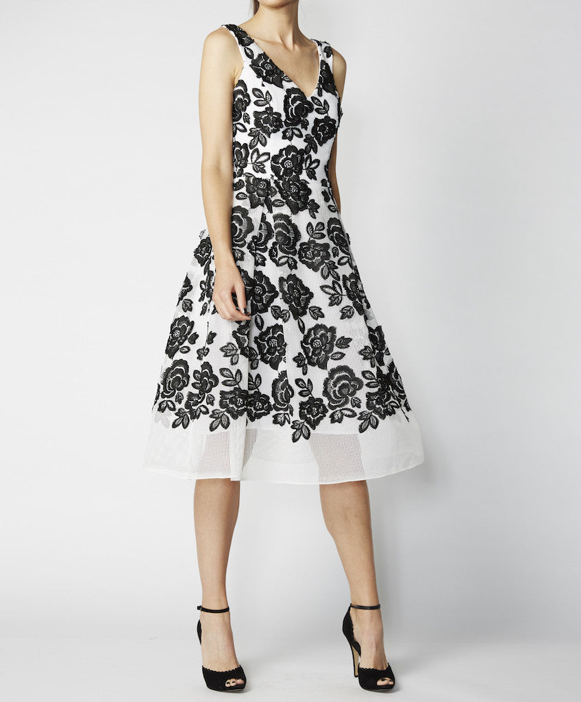 Very Very fitted bodice dress with full skirt Dorelia CGA in black and white
