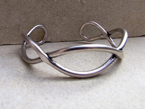 Summer Metals Twisted Cuff -Silver
