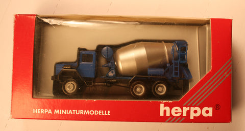 #141475  Iveco Cement Truck