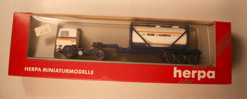 #141680 [ 1:87] Volvo F 12 and 30' 3 Axle Container Chassis with 20' Bulktainer