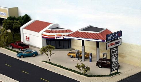 #GS-001 - Modern Gas Station Backdrop Building in HO scale