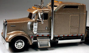 #T-5004 		Kenworth W900L with 86 in Studio Sleeper Mocha Pewter