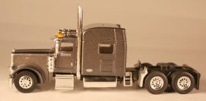 #T-6012 		Peterbilt 389 with 70 in Standard Sleeper Knight Refrigerated