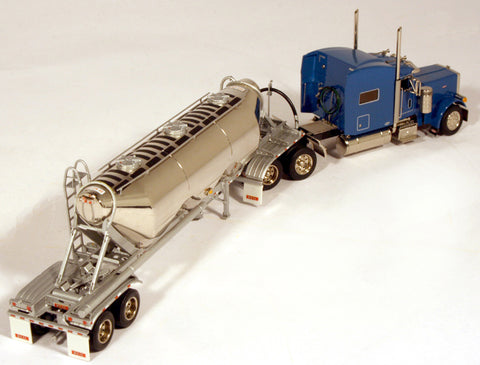 Bulk Trailer and tractor