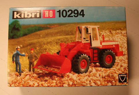 Kibri #10294  Wheel front loader  (plastic kit)