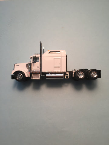 #T-5005  		Kenworth W900L with 86 in Studio Sleeper Transport White