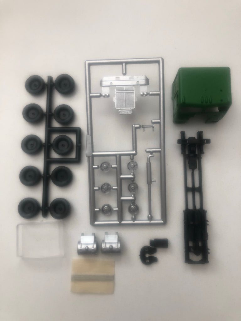 #5508 -  HO Freightliner Kit - BN  (three axle chassis)
