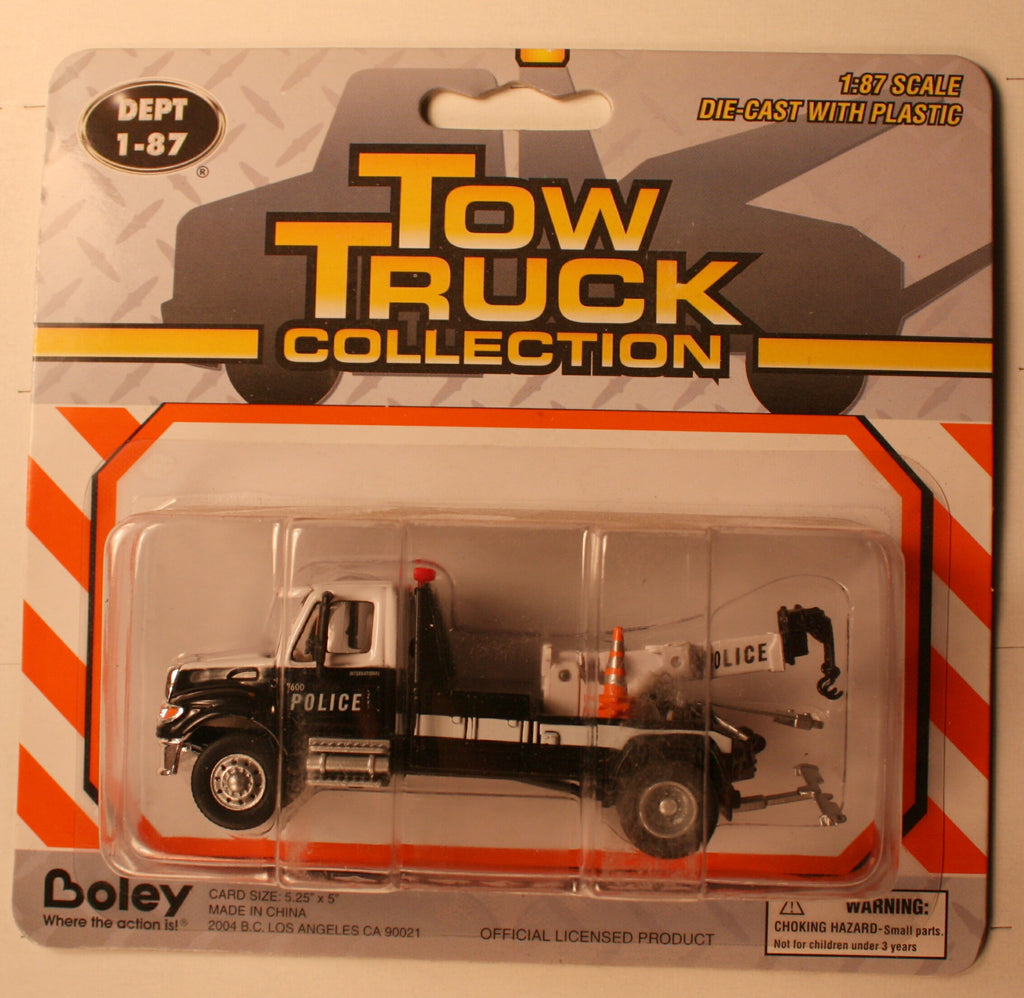 B #015BW    Intern  Blk & Wht  Police  Tow trk   Boley Depart. 1-87 vehicles