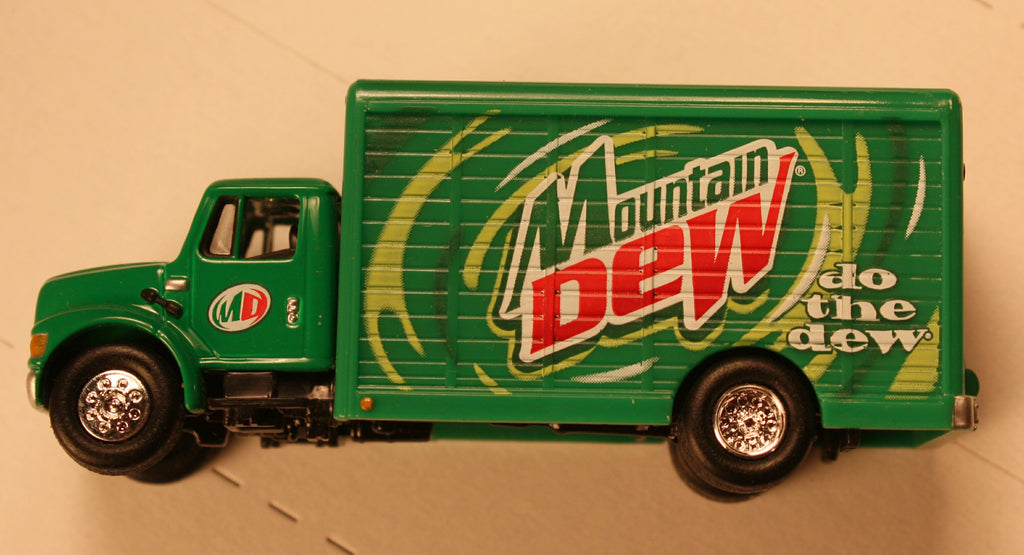 Mountain Dew  (bev truck) HO / 1/87 scale