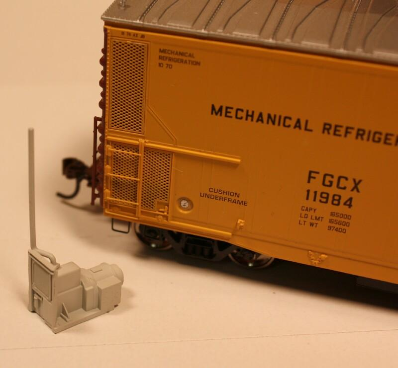 #50150 - Early Style PFE motor and generator for refrigerated freight cars (pkg 2)