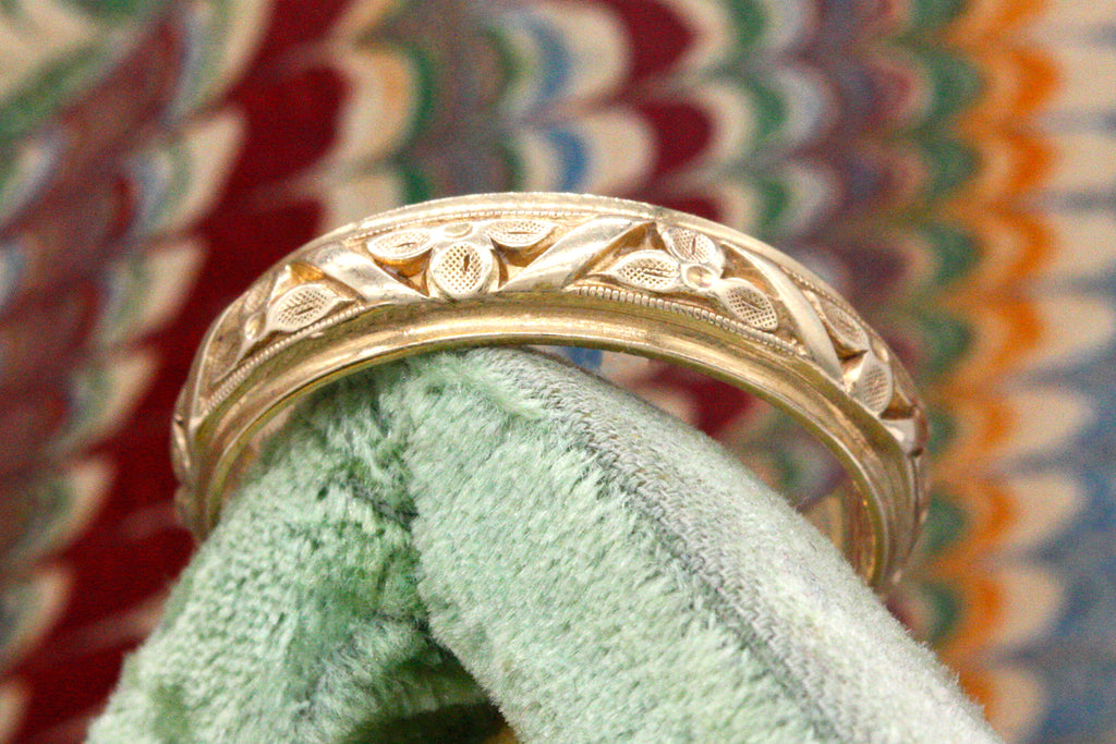 Art Deco Engraved Floral Band
