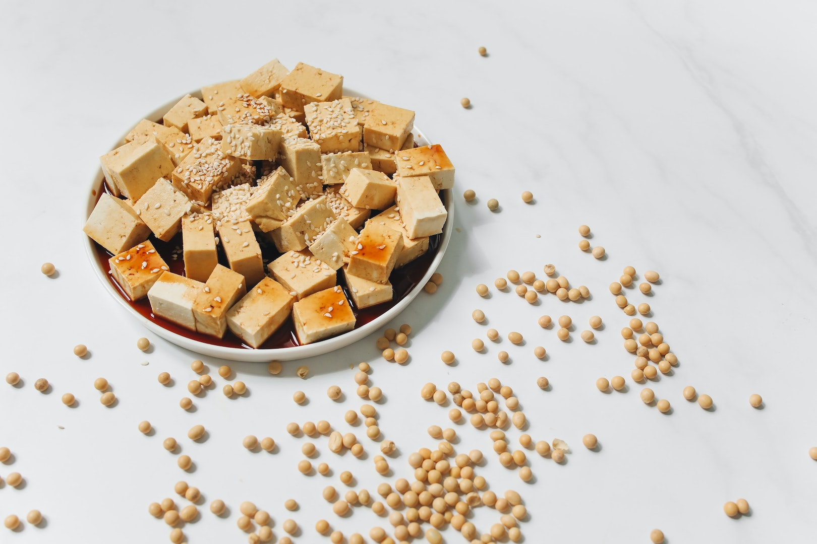 Image of tofu and herbal infusions made with LĒVO.