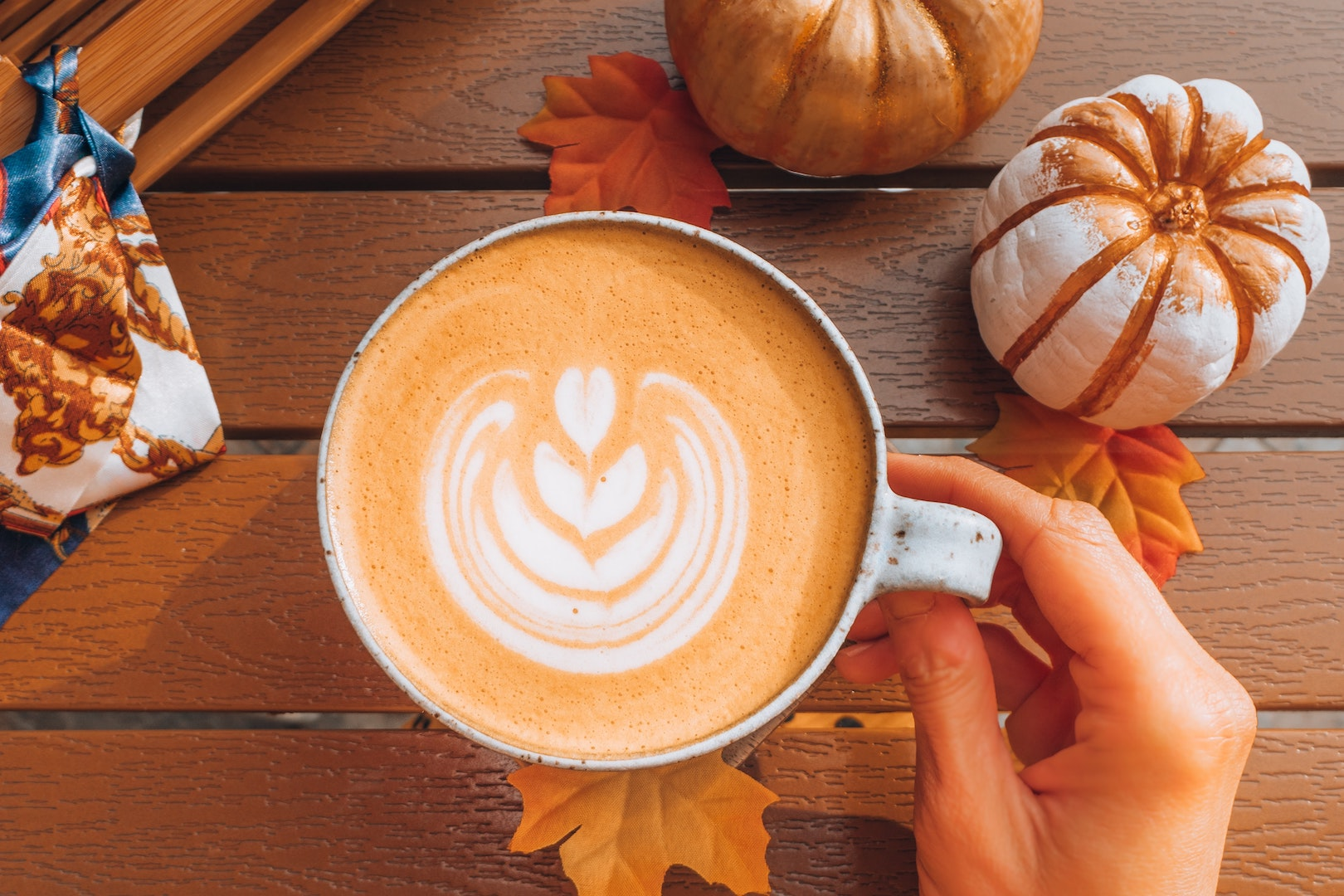 Image of a pumpkin spice latte, made with LĒVO pumpkin spice syrup.