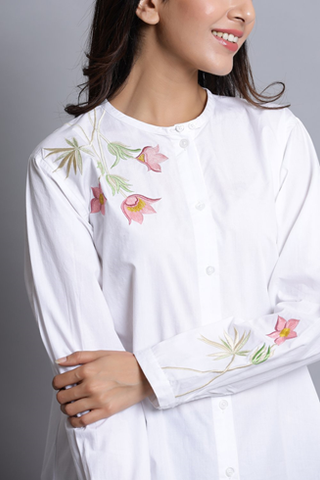 RELAXED WHITE COTTON SHIRT WITH EMBROIDERY
