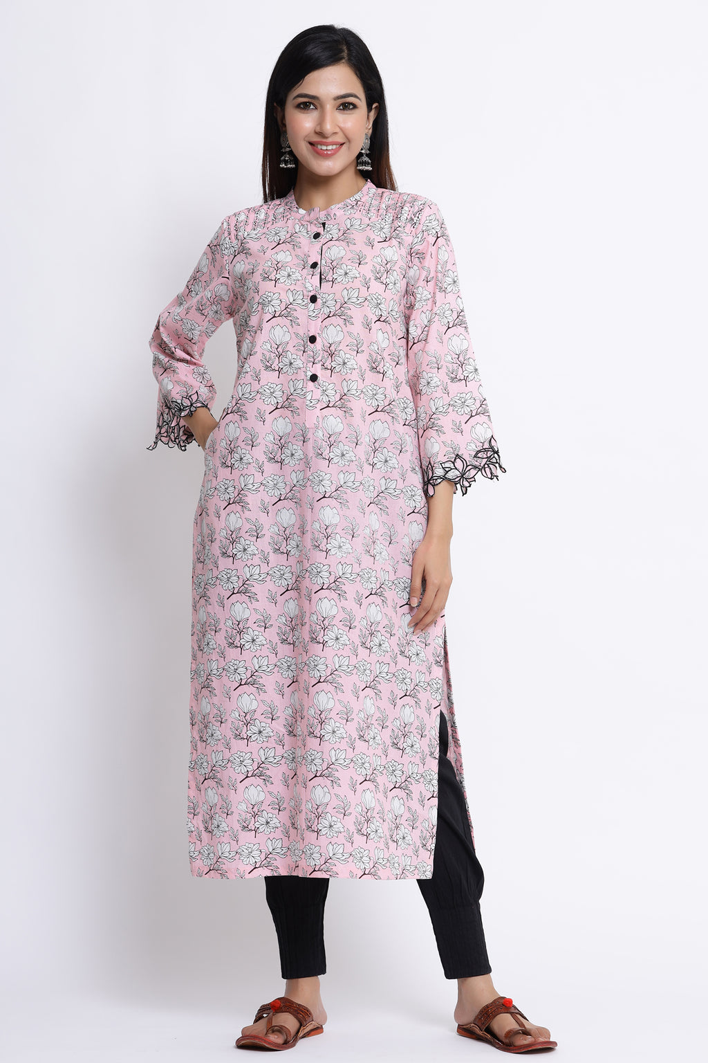 FLORAL PRINTED KURTA WITH EMBROIDERY DETAILING