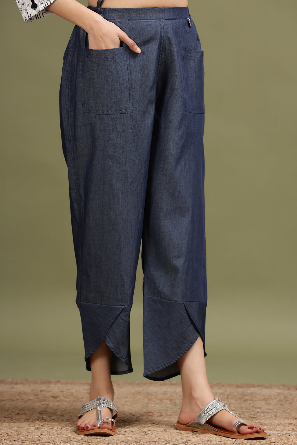TULIP PANT IN BLUE DENIM COLOUR