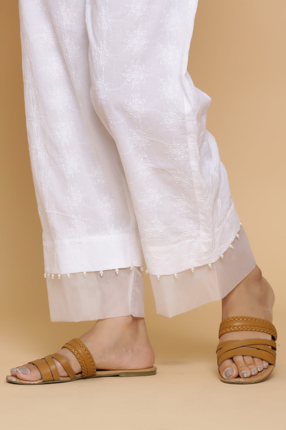 WHITE EMBROIDERED TROUSER