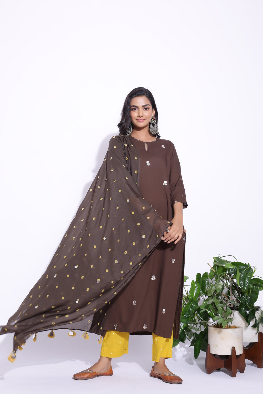 BROWN COLOUR MIRROR WORK DETAILING KURTA