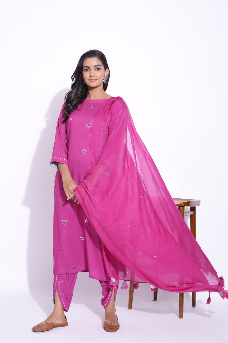 MAGENTA COLOUR MIRROR WORK DETAILING KURTA