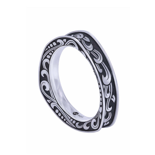 KRANOK Triangle Engraved Ring