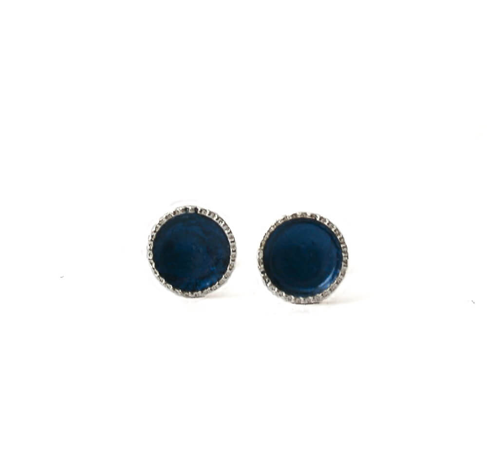 Sterling silver stud earrings for women in navy blue | 6mm