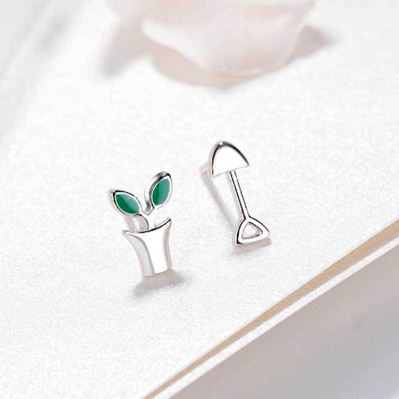 Tiny Plant Stud Earrings for Women