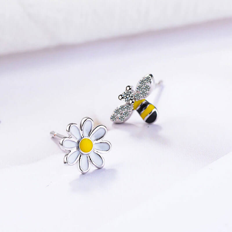 Bee and flower stud earrings for women