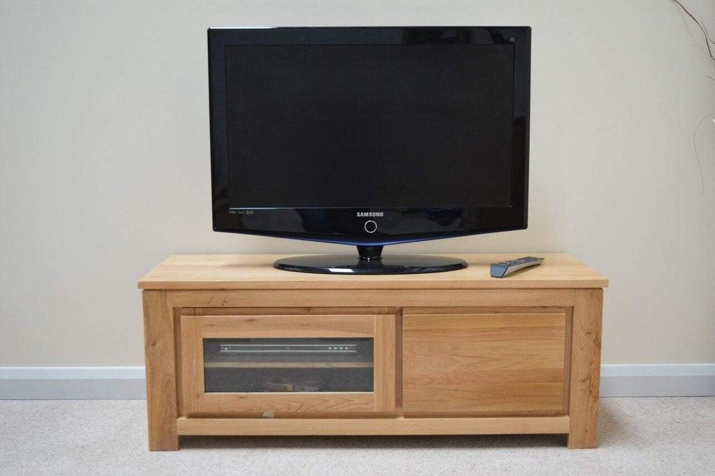 Bloomsbury Oak Plasma TV Cabinet - Oak Village