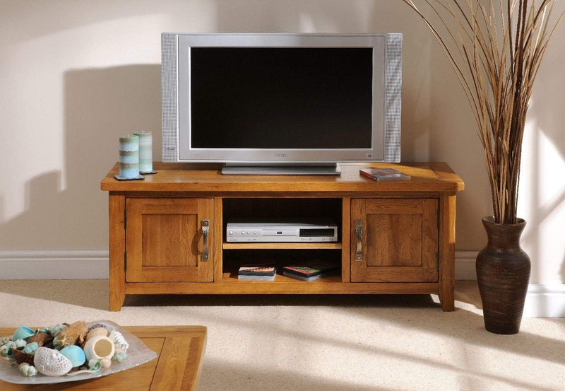 Wessex Country Oak Plasma TV Media Unit - Oak Village