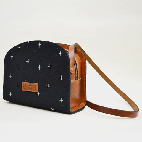 Blurred Planes Black Essential Leather Sling Bag by Cord