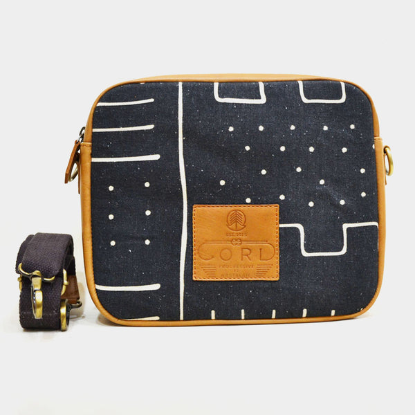 Skyline Black Cross Body Travel Leather Bag by Cord