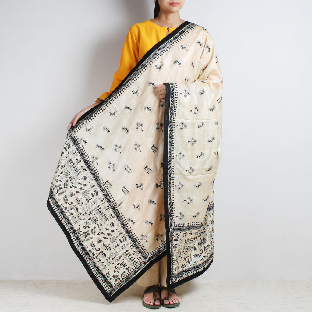 Cream Tussar Silk Dupatta With Black Kantha Embroidery And Textured Border by MEENAKARI