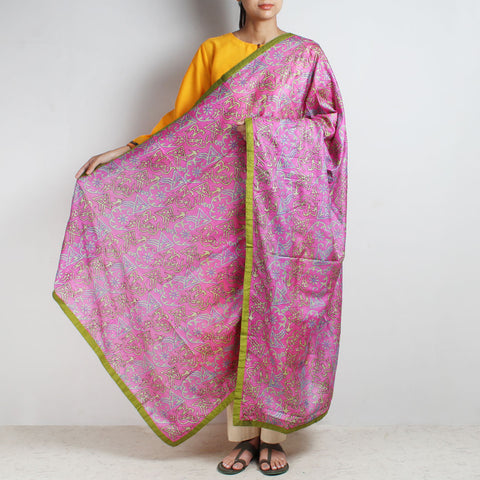 Pink Printed Kantha Silk Dupatta With Textured Border by MEENAKARI