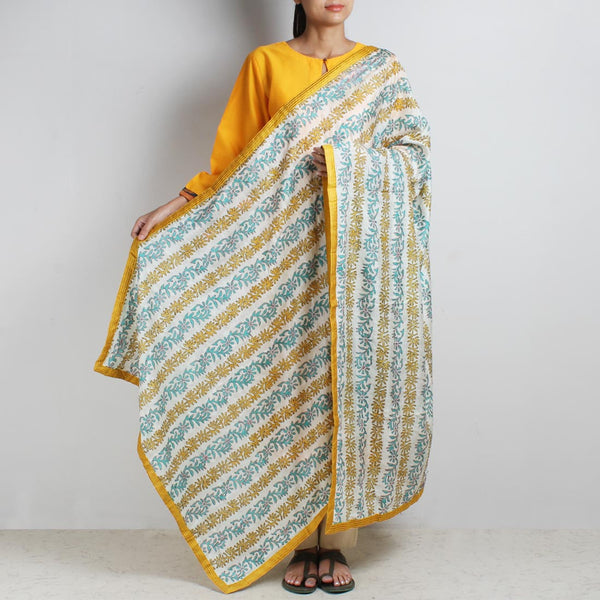Off White Printed Kantha Silk Dupatta With Textured Border by MEENAKARI