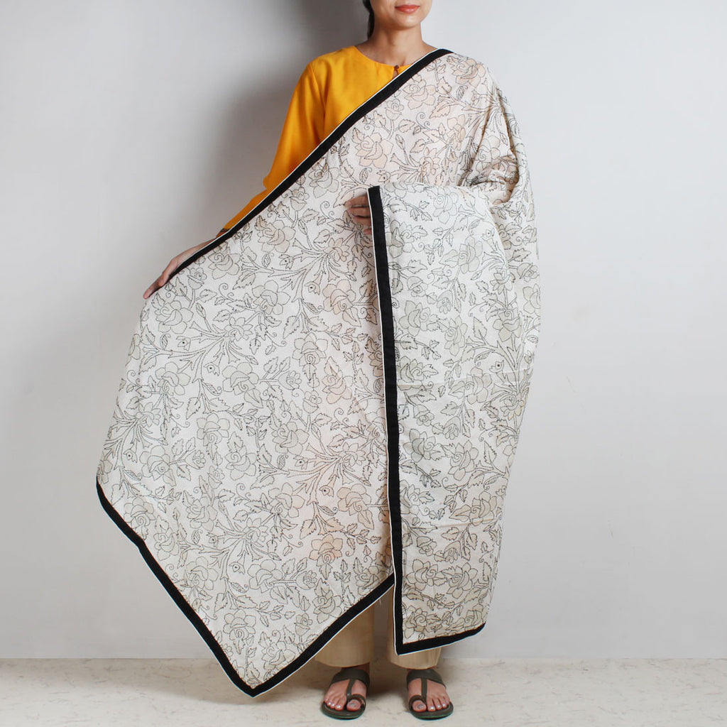 Black And White Silk Kantha Dupatta by MEENAKARI