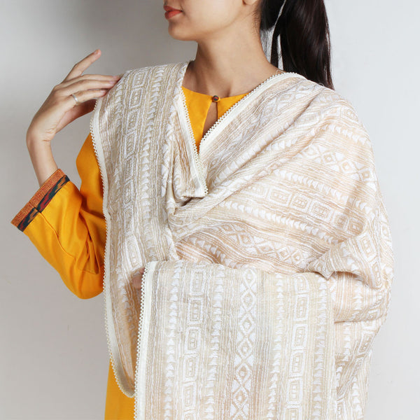 Classic Off White Kantha Silk Dupatta With Beaded Border