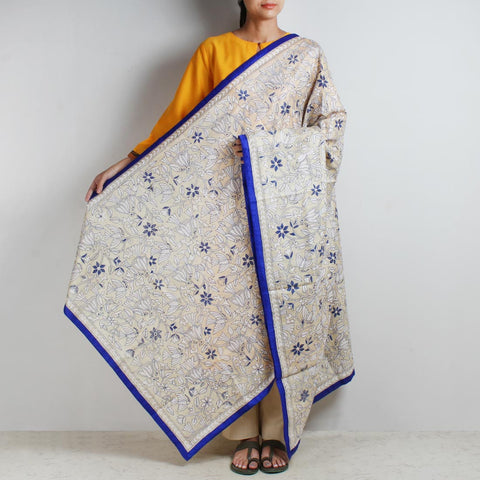 Off-White Nakshi Kantha Silk Dupatta With Blue Border by MEENAKARI