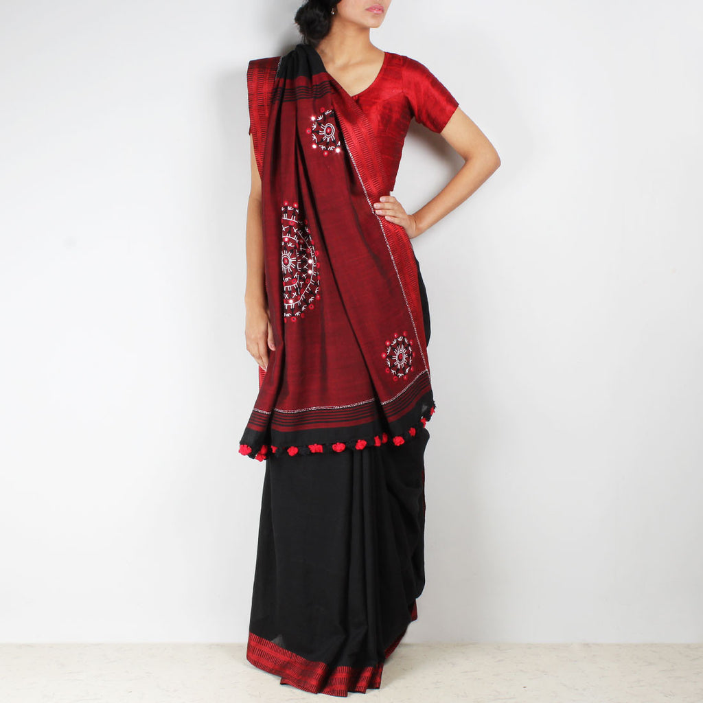 Black Handwoven Cotton Saree With Kantha Embroidered Pallu by MEENAKARI