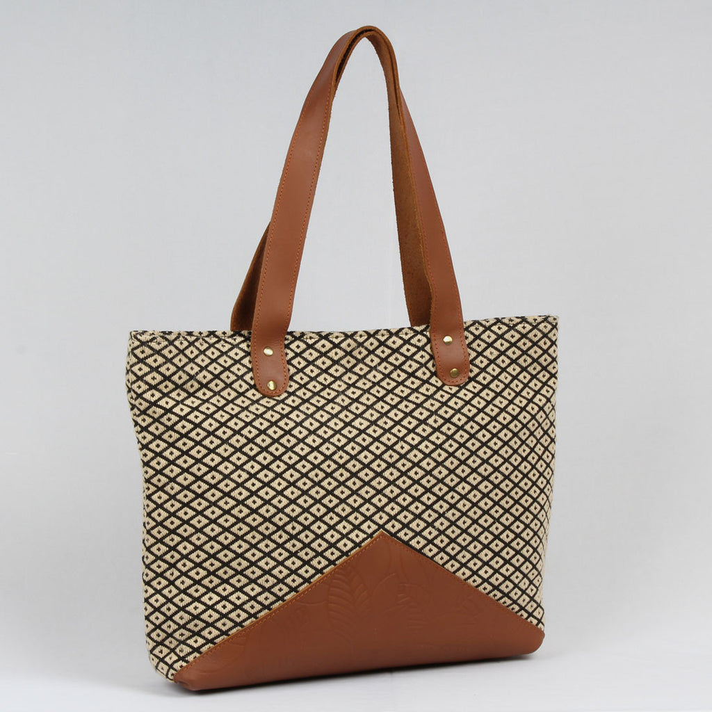 Mid-Sized Brown Tote Bag In Handloom Fabric by Neonia